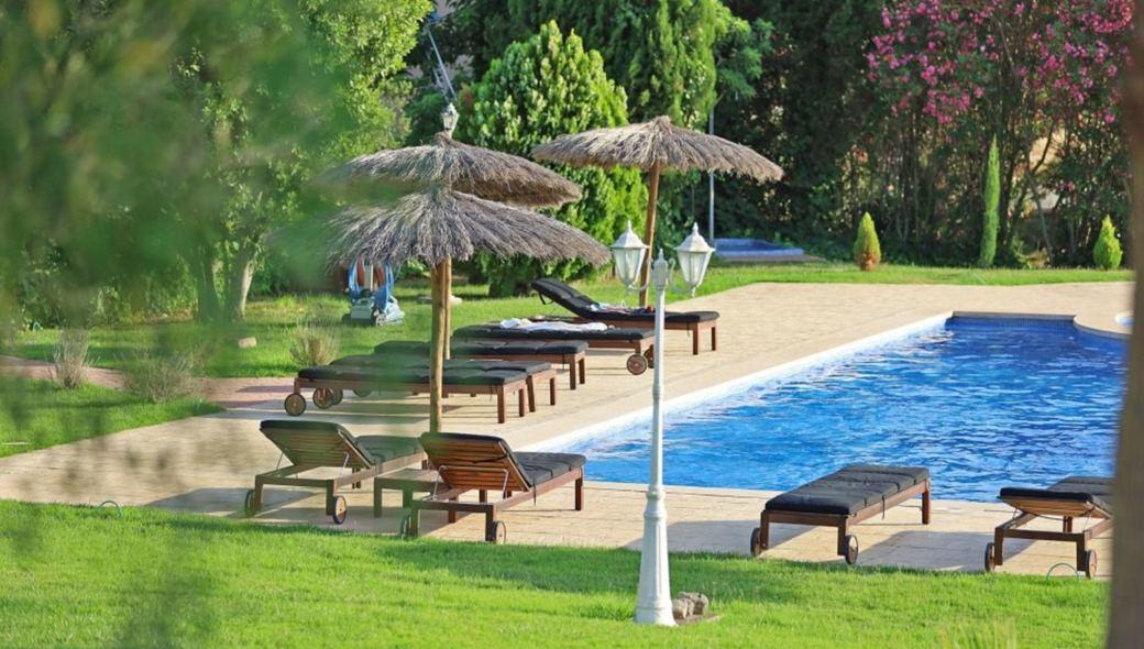 Blick auf den Poolbereich