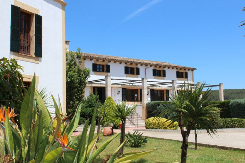 Son Manera Retreat Finca