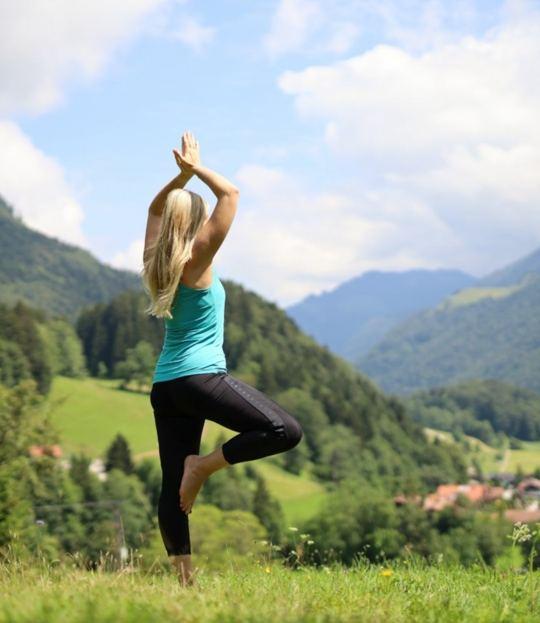 Kraftvoll weiblich – Luna Yoga® entdecken